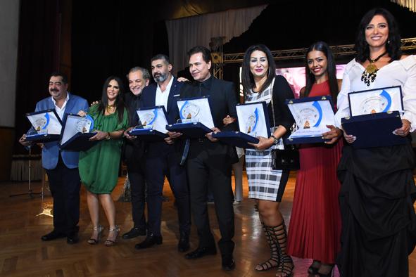 صور | مهرجان همسة يحتفل بدورته السادسة في حضور نجوم الفن والشعر والأدب