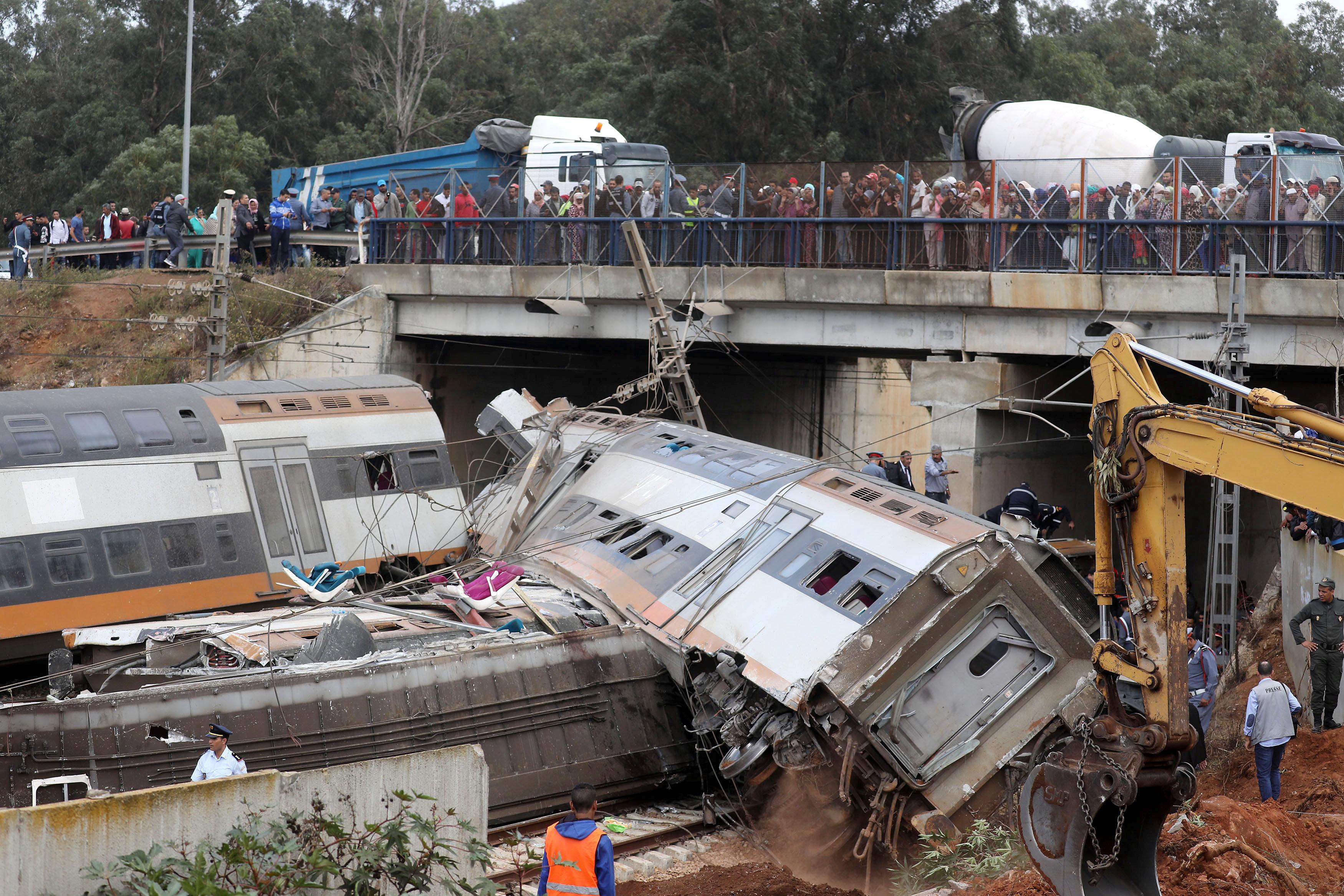 صور | ارتفاع عدد ضحايا حادث القطار بالمغرب إلى 6 أشخاص  و80 جريح