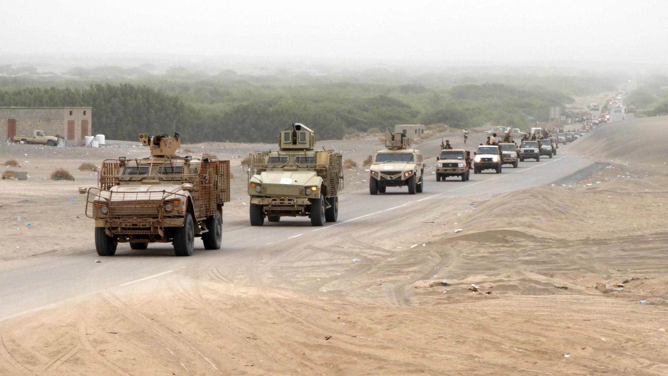 مقتل 23 من الميليشيا في مواجهات مع الجيش اليمني وغارات للتحالف غرب تعز