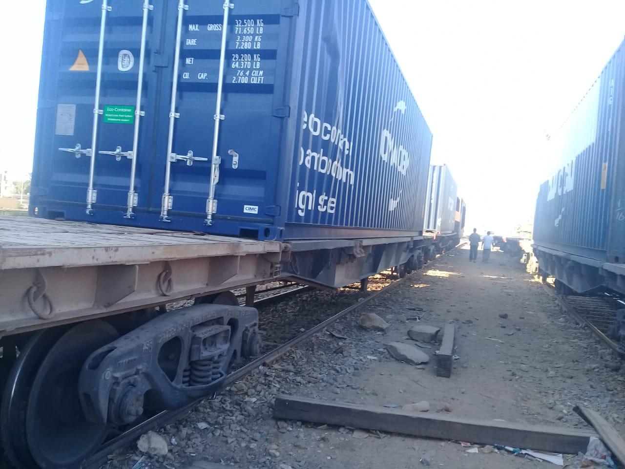 السكة الحديد : بدء تسيير رحلات لنقل البضائع من ميناء الدخيلة إلى السد العالي
