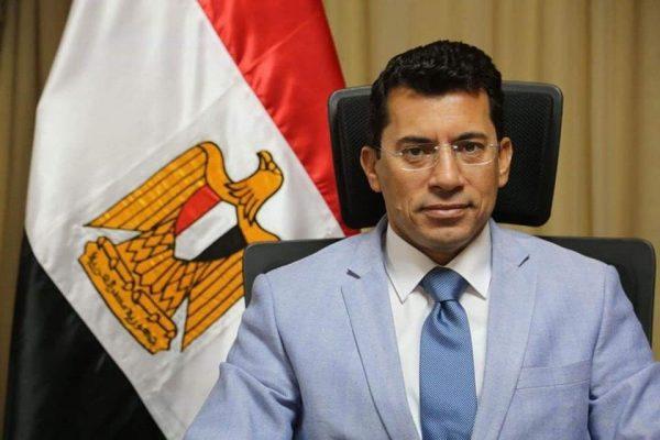 وزير الرياضة يوجه مراكز الشباب باستمرار المشاركة المجتمعية لمواجهة كورونا