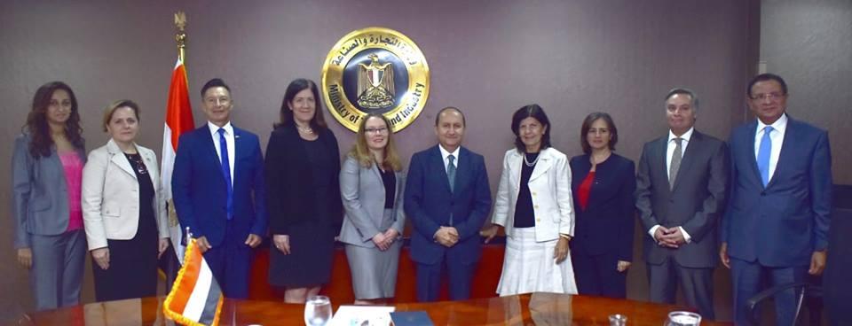 صور | عمرو نصار يبحث مع ممثلي وزارة التجارة الأمريكية تعزيز التعاون بين البلدين