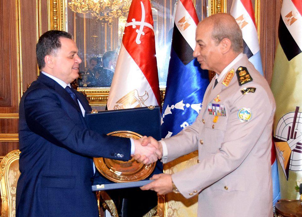 وزير الدفاع يستقبل وزير الداخلية لتقديم التهنئة للقوات المسلحة بذكرى حرب أكتوبر