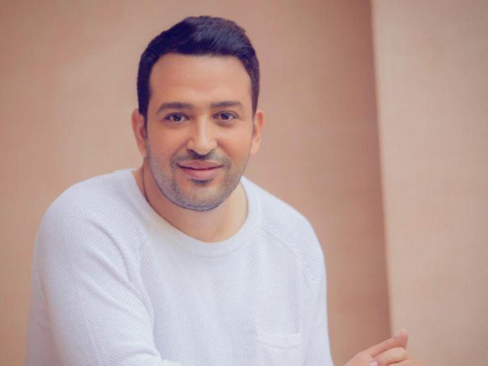 الشاعر تامر حسين ضيف «الليلة عندك» على الرديو 9090الخميس المقبل