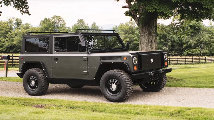 فيديو | «Bollinger» الأمريكية تطور سيارة «بيك آب» كهربائية بقدرات عالية