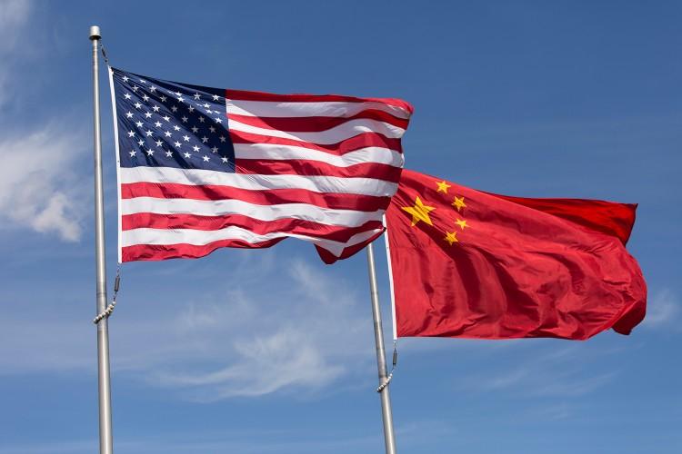 الصين تقدم احتجاجا رسميا بشأن الرسوم الجمركية الأمريكية الإضافية