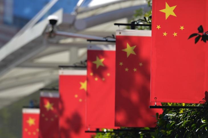 نمو إنتاج الصين الصناعي يتباطأ في سبتمبر ومبيعات التجزئة تفوق التوقعات