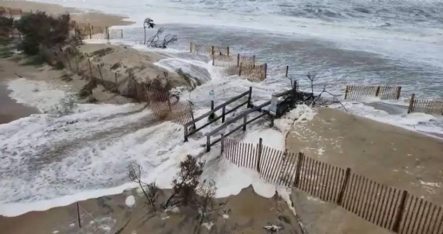 ولاية فلوريدا الأمريكية تأمر بإخلاء المنازل قبل وصول الإعصار مايكل