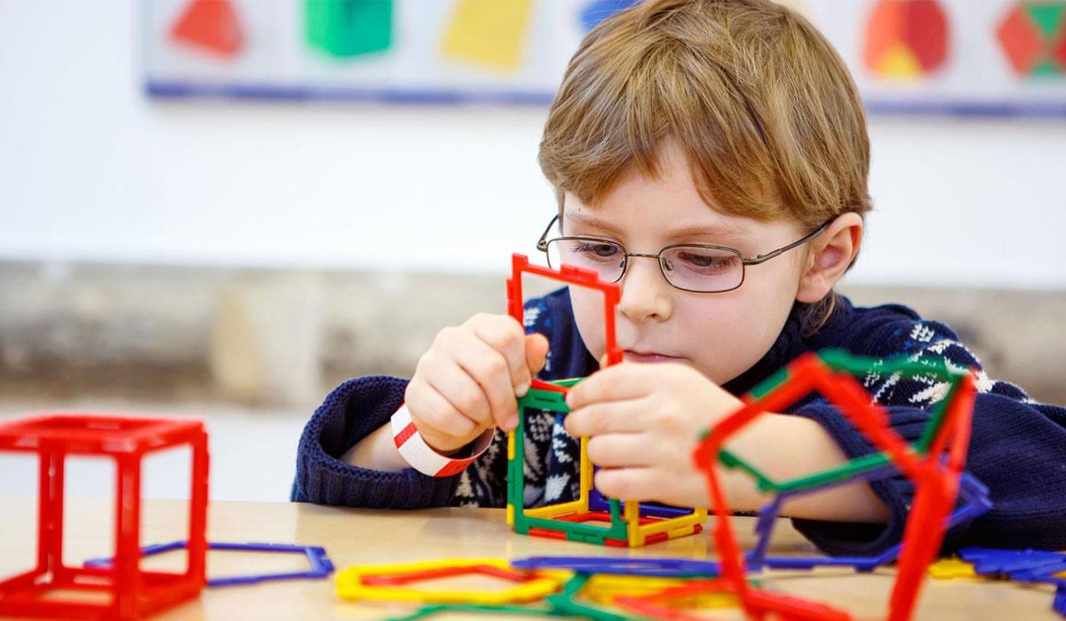 دراسة: طفل من بين كل أربعة أطفال يعانون من مرض التوحد يمر دون تشخيص