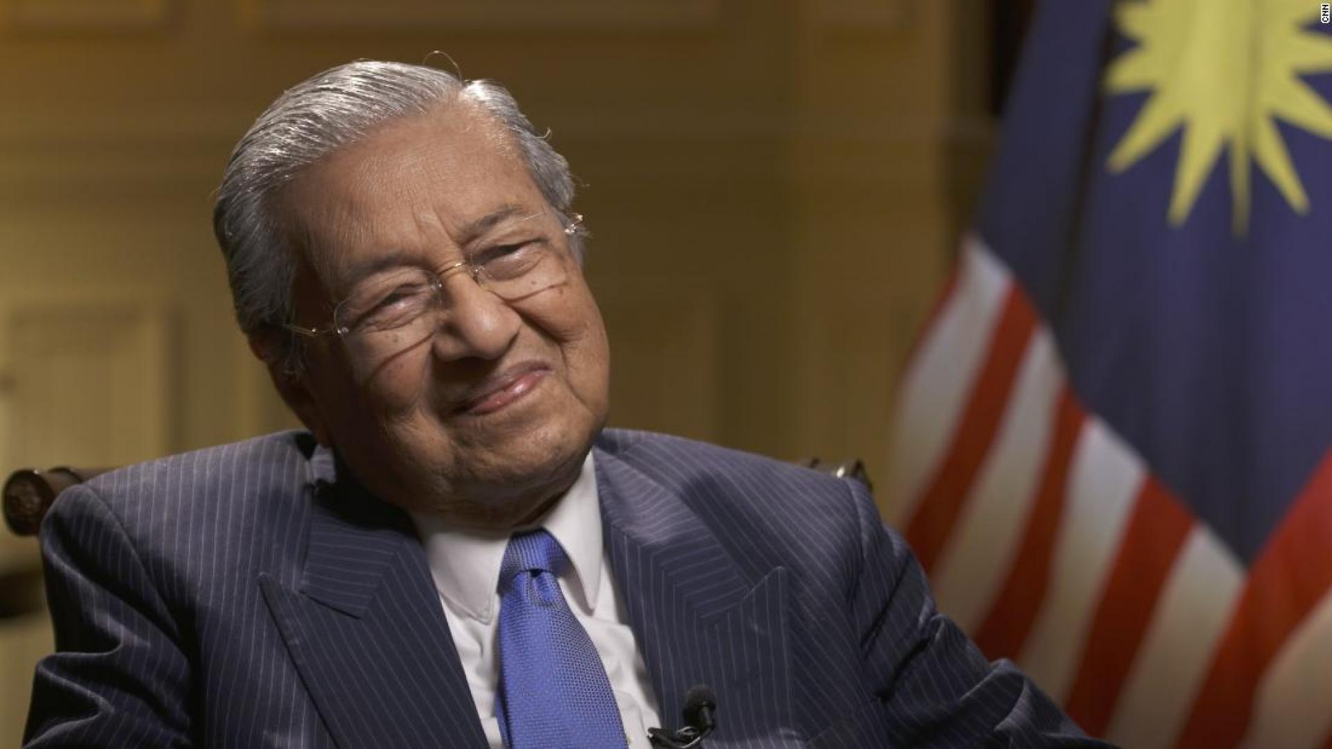 رئيس الوزراء الماليزي يبحث مع وزير الخارجية البريطاني تعزيز العلاقات