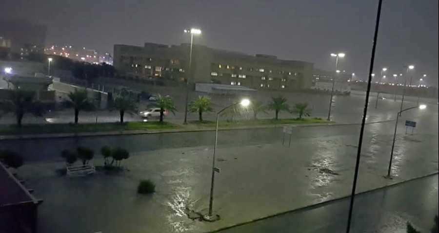 تعطيل الدراسة بجميع المدارس والجامعات الكويتية لسوء الأحوال الجوية