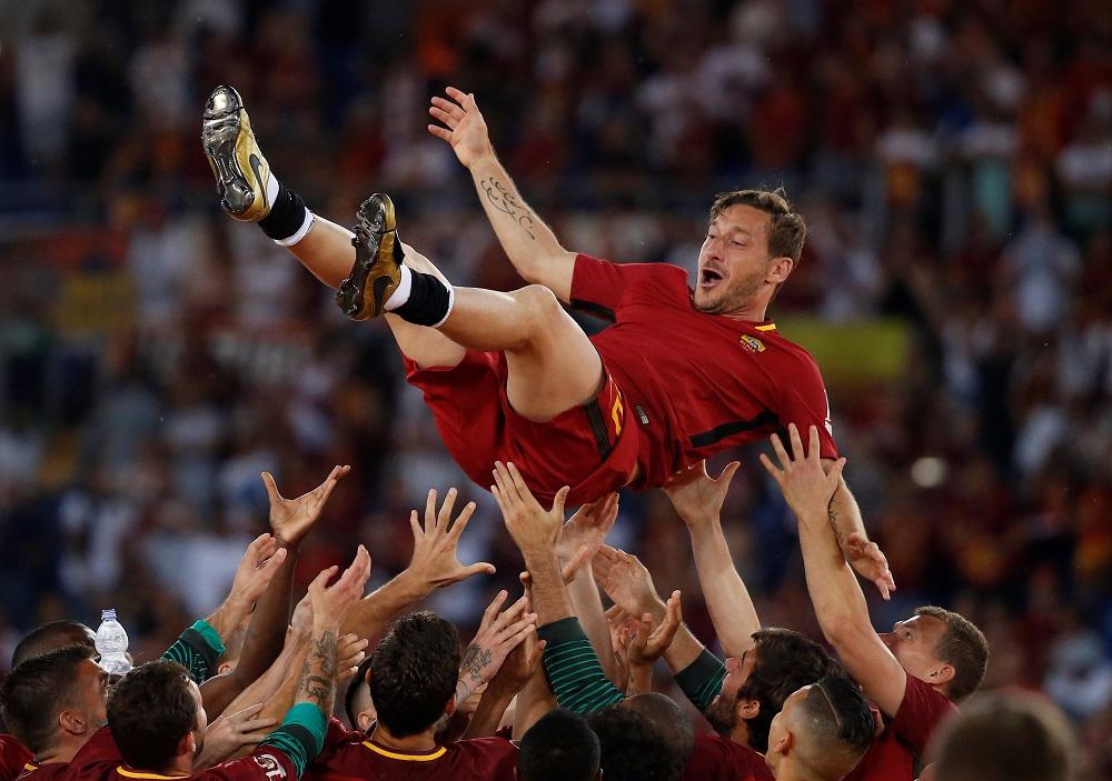 روما يُكرم فرانشيسكو توتي قبل مواجهة ريال مدريد
