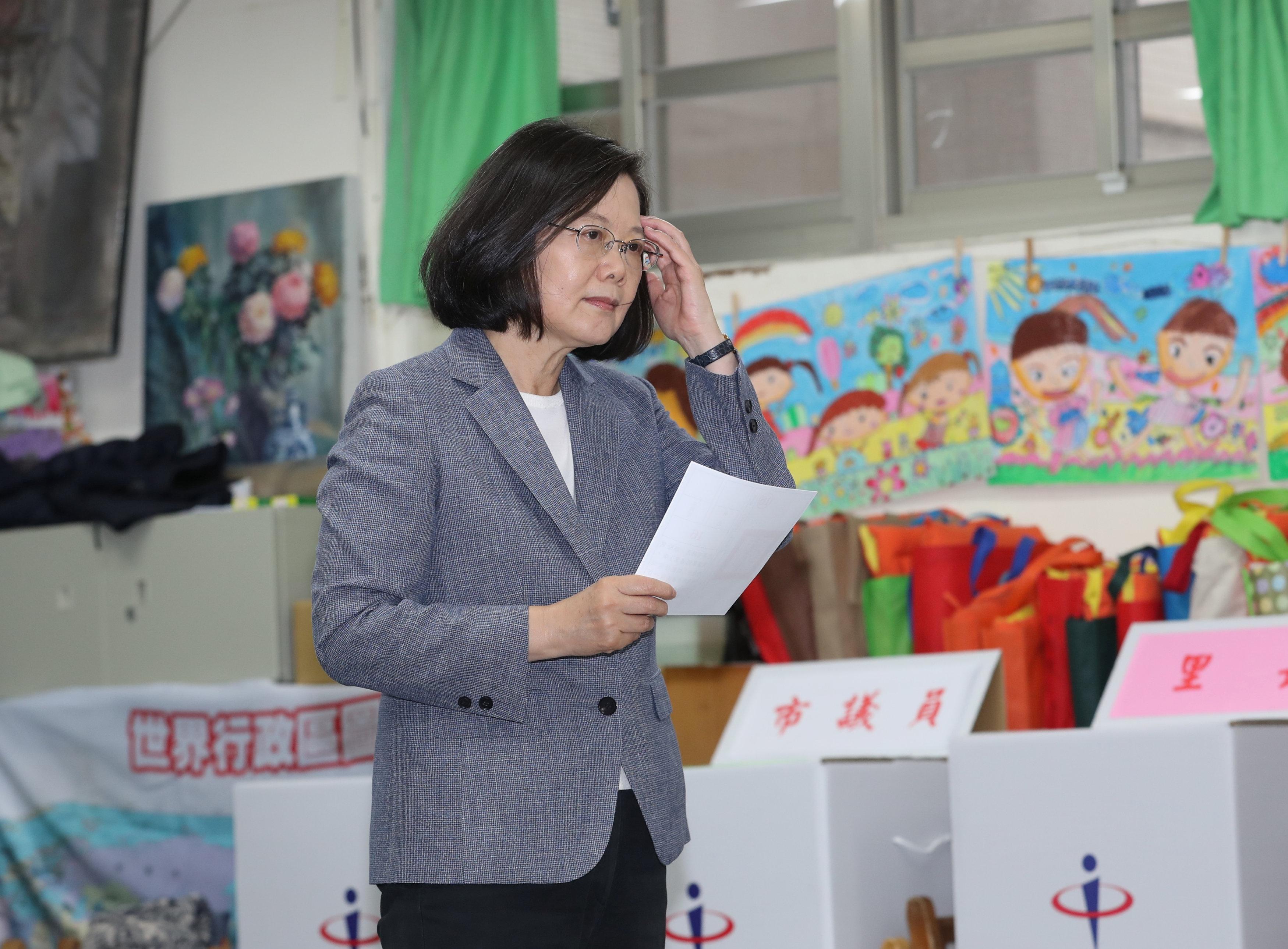 صور | انتخابات محلية في تايوان تضع الحزب الحاكم تحت الاختبار