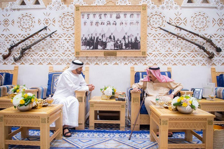 صور | العاهل السعودي يستقبل ولي عهد أبوظبي  في قصر العوجا