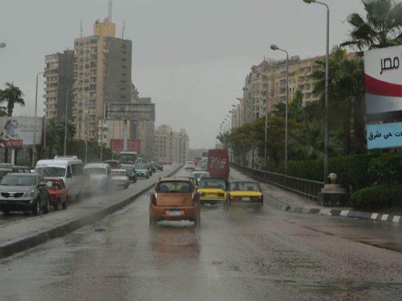 أمطار غزيرة على الإسكندرية مع بدء نوة المكنسة