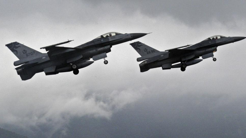 موسكو: مقاتلة روسية تعترض طائرة استطلاع أمريكية فوق بحر البلطيق
