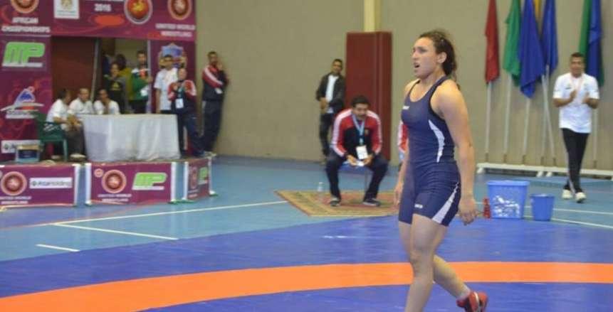 سمر حمزة تكتسح بطلة روسيا وتتأهل إلى ربع نهائي بطولة العالم للمصارعة