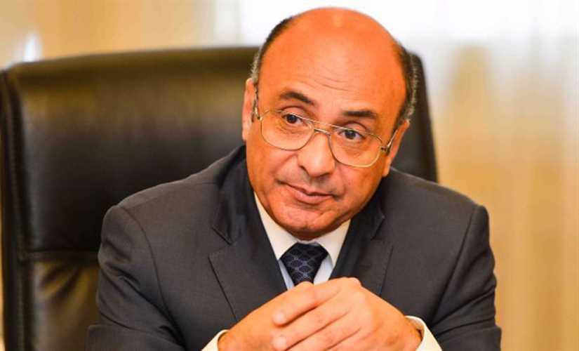 وزير العدل يوجه بضرورة ارتداء الكمامة كشرط للتردد على الشهر العقارى