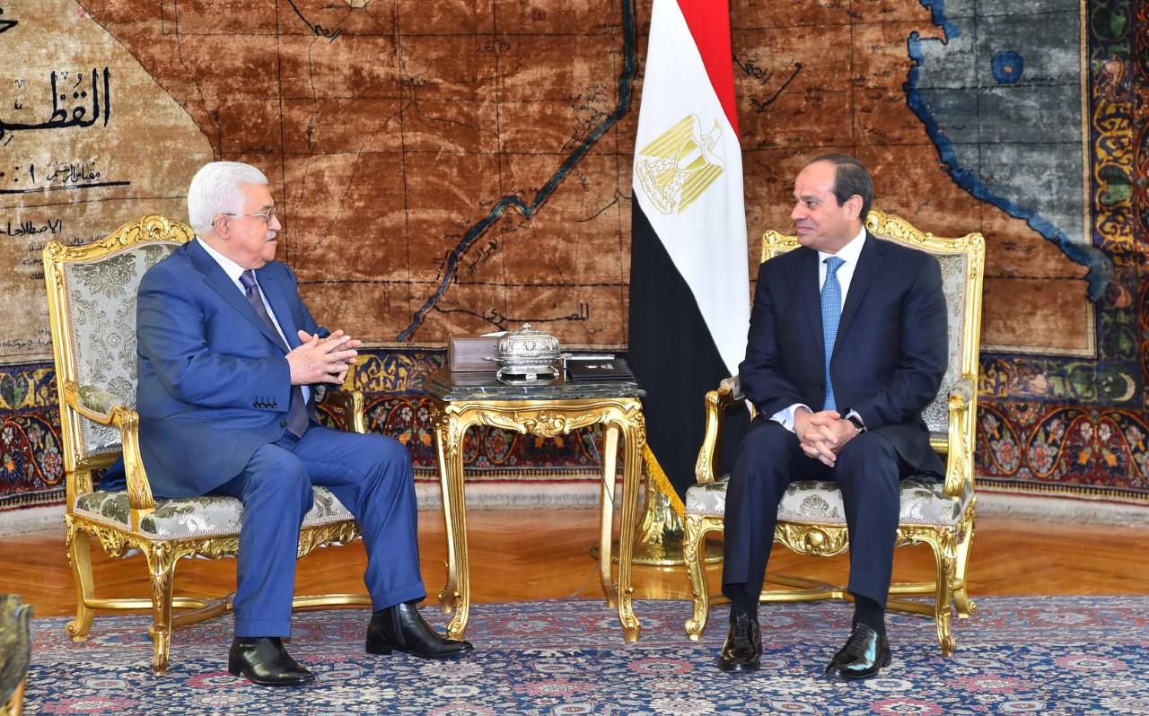الرئيس السيسي ونظيرة الفلسطيني  يتبادلان التهنئة بمناسبة عيد الفطر المبارك