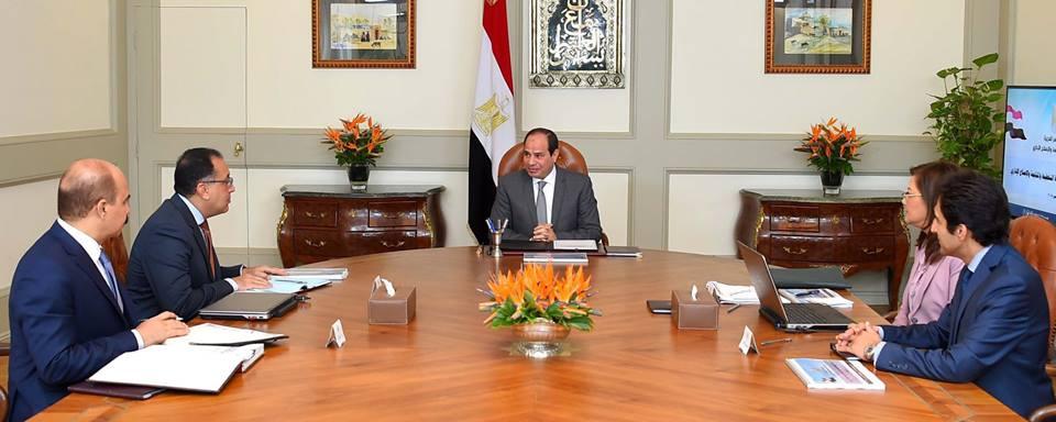 المؤشرات الاقتصادية الإيجابية خلال الربع الأول تتصدر اهتمامات الصحف المصرية