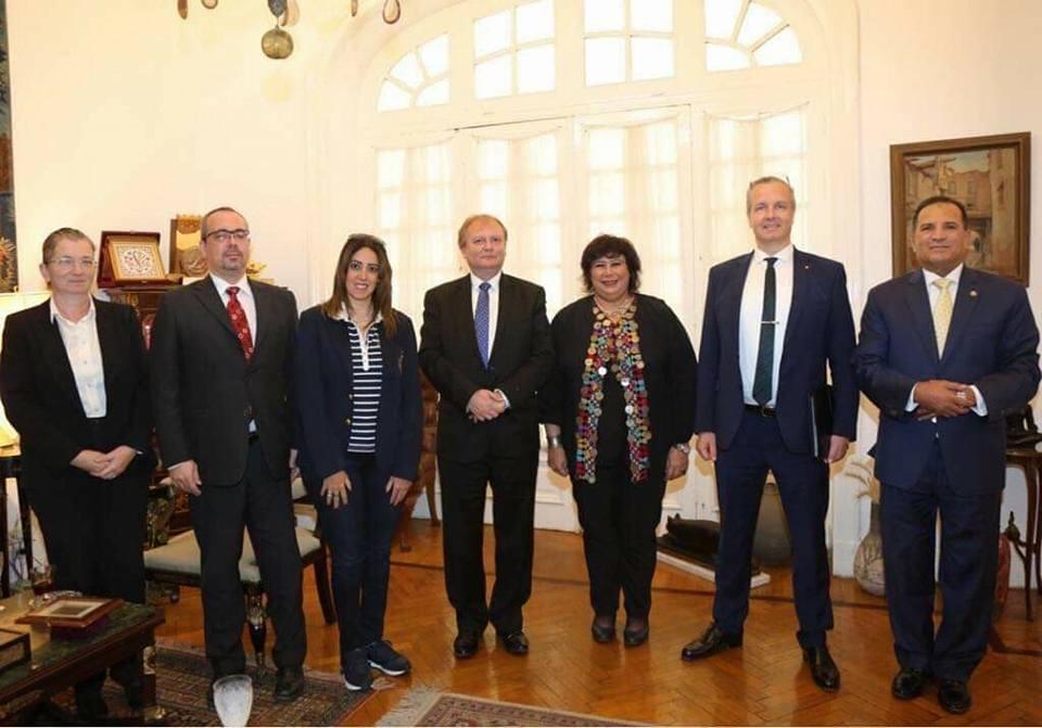 وزير الثقافة تستقبل وفداً برلمانياً مجرياً لبحث مسارات التعاون الفكرى والفنى