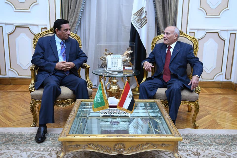 صور   «العصار» يلتقى رئيس مؤسسة الصناعات العسكرية بالسعودية لبحث التعاون