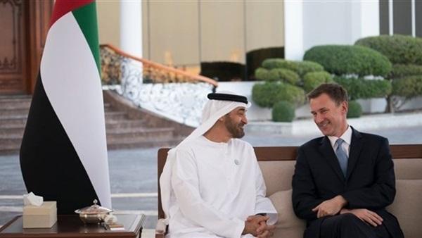 ولي عهد أبو ظبي يبحث مع وزير الخارجية البريطاني العلاقات الثنائية
