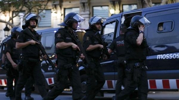 سلطات الأرجنتين تضبط 12 شخصا لعلاقتهم بحادثي اعتداء بالقنابل