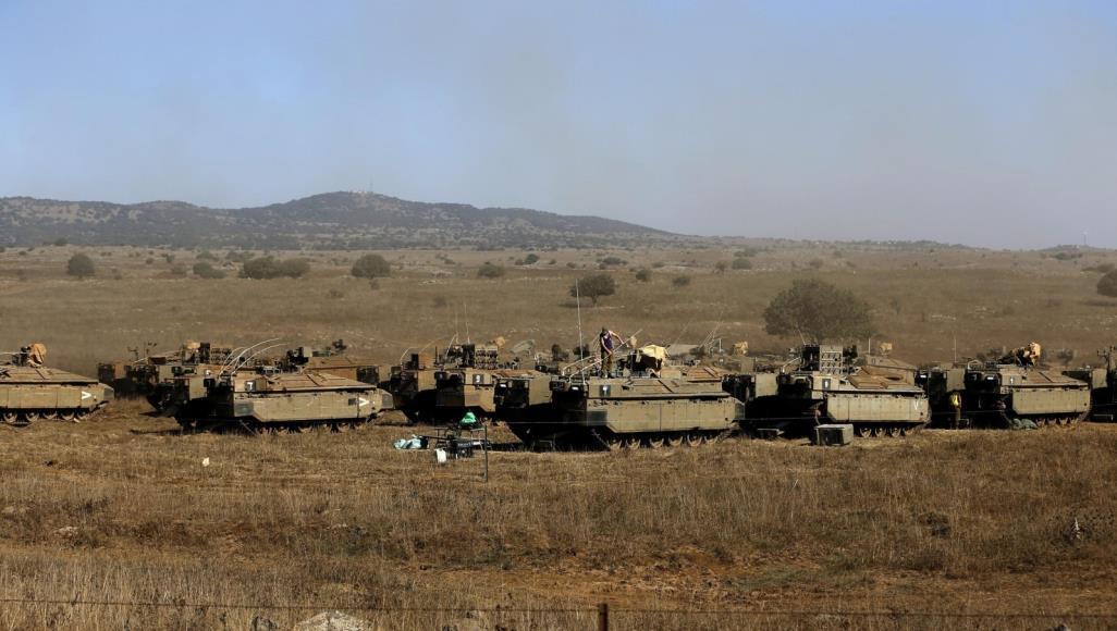 مدفعية الاحتلال الإسرائيلي تقصف أراضى زراعية وموقعا وسط قطاع غزة
