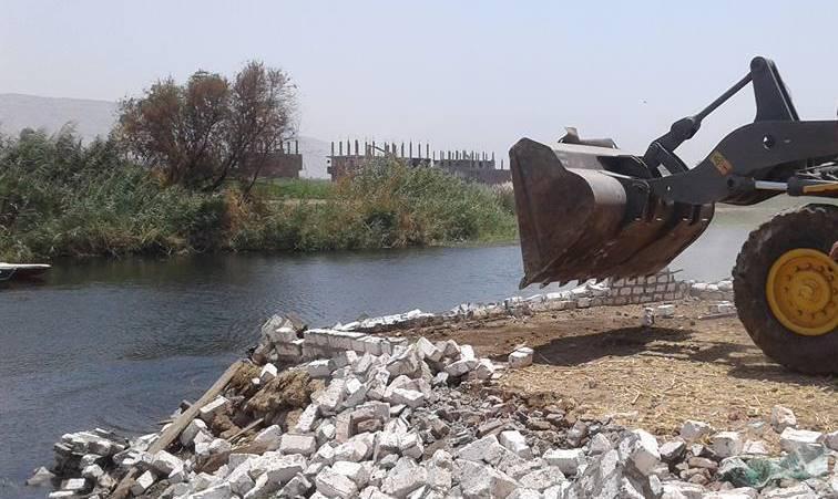 إزالة 61 حالة تعد على أملاك الدولة والأراضي الزراعية ونهر النيل