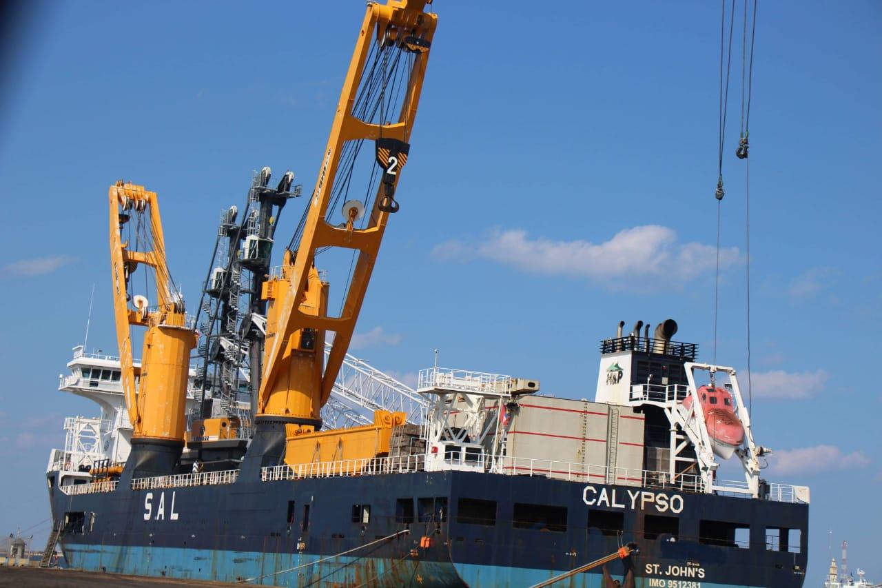 ميناء دمياط يستقبل اثنين من احدث أوناش الحاويات في العالم