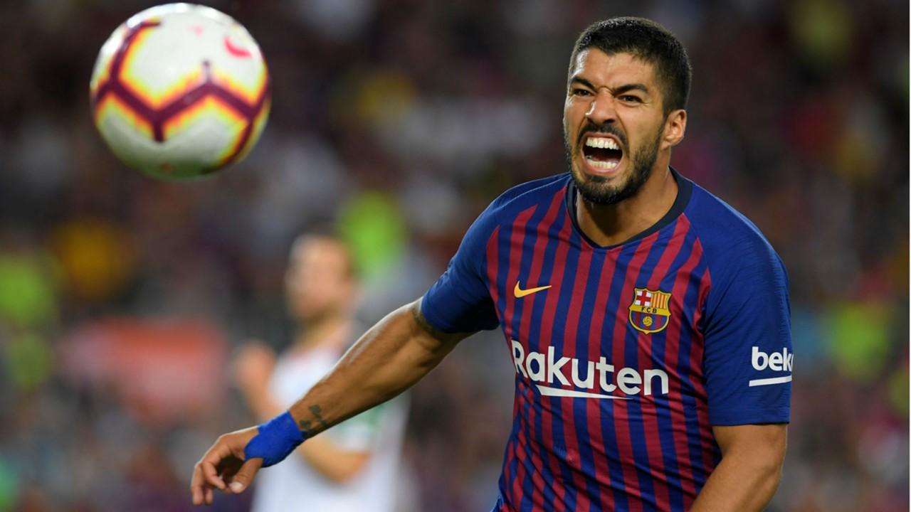 سواريز مهاجم برشلونة يغيب لأسبوعين لخضوعه لعلاج في الركبة