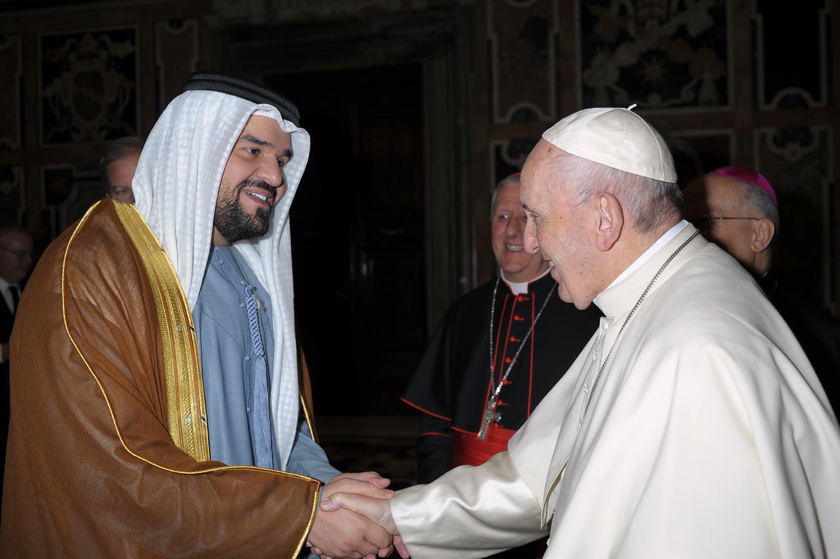 الجسمي يزور البابا فرانسيس ويشارك في حفل الفاتيكان كأول فنان عربي مسلم يتغنى بـ التسامح