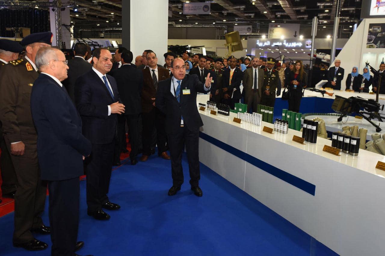 نشاط الرئيس السيسي في أسبوع : افتتاح «إيدكس» وجولة بالدراجة بشرم الشيخ