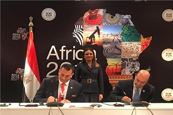 « اقتصادية قناة السويس » توقع عقود استثمارية في « إفريقيا 2018 »