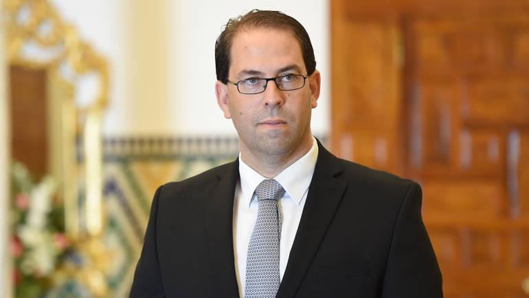 رئيس وزراء تونس يوجه حكومته لمواجهة آثار سقوط الثلوج في البلاد