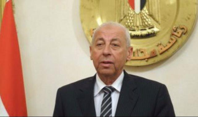"""محافظ أسوان: عقوبات رادعة ضد مخالفات سائقي الـ""""توك توك"""""""