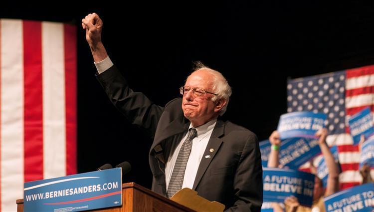 نيويورك تايمز : ساندرز يتطلع لخوض انتخابات الرئاسة الأمريكية عام 2020