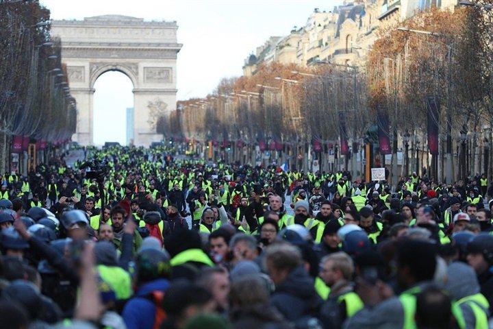 خسائر فرنسا تضع ماكرون في مأزق مع الأسبوع الخامس لمظاهرات السترات الصفراء