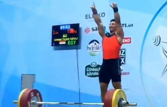 أحمد عاشور يفوز بذهبيات وزن 89 كجم في بطولتي العرب والتضامن لرفع الأثقال