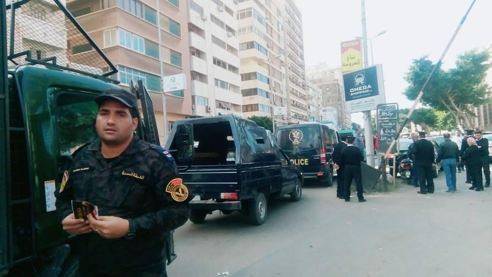 الداخلية: القبض على 256 متهمًا بـ 90 كيلو مخدرات و 173 مسلحًا و 34 بلطجيًا