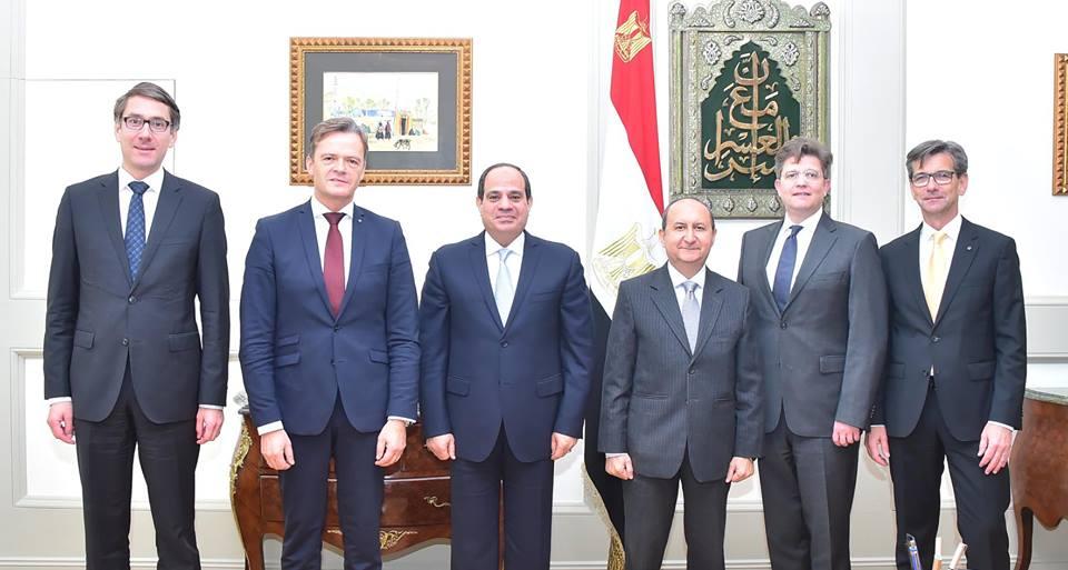 جهود الرئيس السيسي لتشجيع الاستثمار في مصر تتصدر اهتمامات الصحفالمصرية