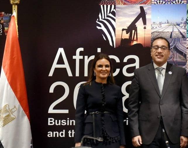 رئيس الوزراء يشهد توقيع اتفاق بين مصر والبنك الآسيوى بقيمة 300 مليون دولار