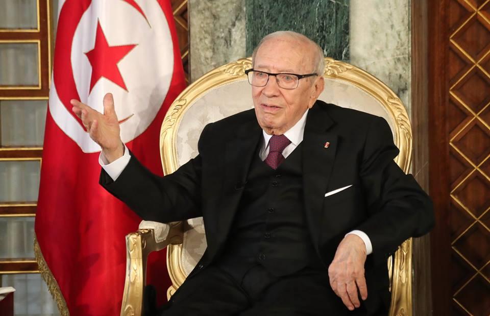 الرئيس التونسي يقرر مد حالة الطوارئ لمدة شهر