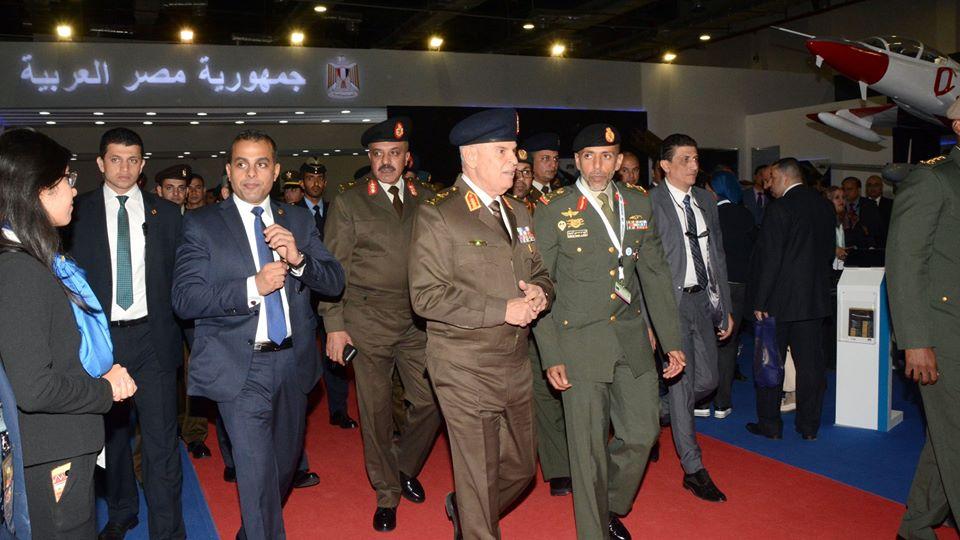 نشاط الرئيس السيسي وفعاليات معرض «إيديكس» تتصدر اهتمامات الصحف