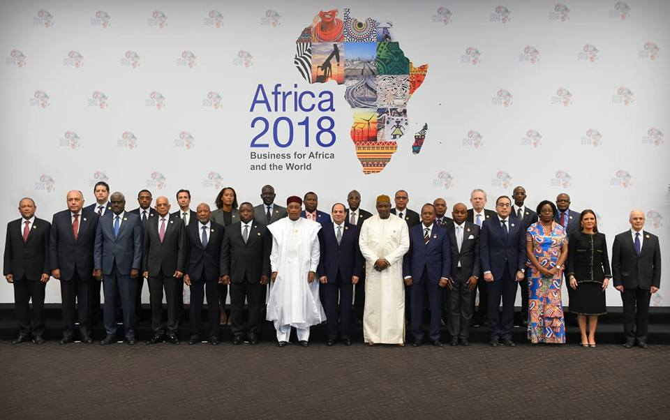 نشاط الرئيس السيسي بأسبوع | افتتاح منتدى أفريقيا 2018 واستقبال نظيره الجامبي