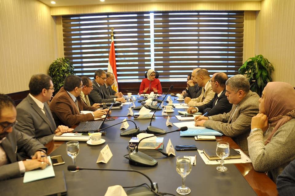وزيرة الصحة تعقد اجتماع لمتابعة تنفيذ مشروع المستشفيات النموذجية بالمحافظات