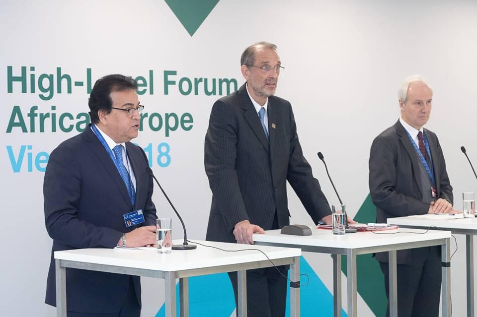 وزير التعليم العالي يلتقي نظيره النمساوي لبحث آليات التعاون المشترك