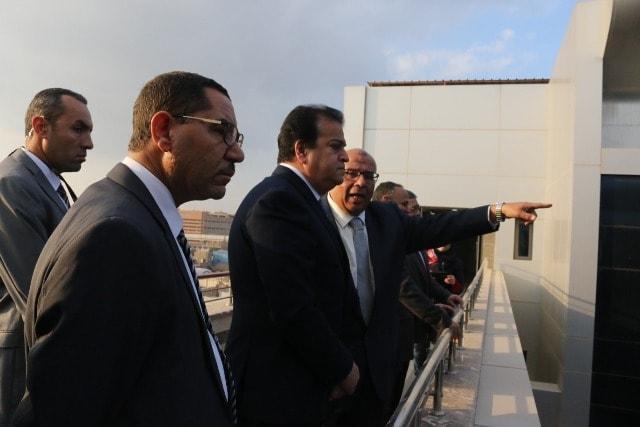 صور   وزير التعليم العالى يتفقد أعمال تطوير معهد بحوث الإلكترونيات