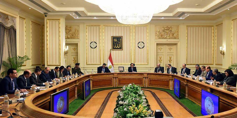 رئيس الوزراء يترأس اجتماع اللجنة الرئيسية لتقنين أوضاع الكنائس